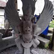 Patung Batu Garuda Wisnu