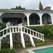 Villa Puncak Bogor .085716579894