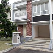 Rumah Mewah Cluster Faraday Gading Serpong (18381231) di Kota Tangerang
