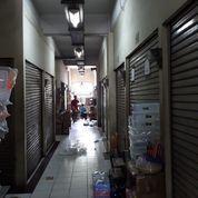 2 Kios Berdempetan Di Pejagalan Jakarta Barat (18496159) di Kota Jakarta Barat