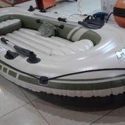 Perahu Karet Voyager 500 Include Dayung Pompa Repair Kit Kap 4 Orang