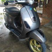 Piaggio Vespa LX 150 3Vie (18507199) di Kota Bandung