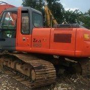 Excavator Hitachi ZX200 Tahun 2011 (18521627) di Kota Jakarta Timur