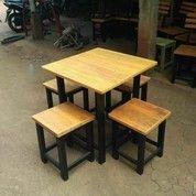 Meja Cafe Murmer (18560451) di Banguntapan