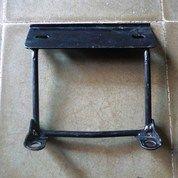 Dudukkan / Tatakkan Plat Nomor Motor Honda (19009587) di Kota Yogyakarta