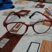 Kacamata Merk Levi's