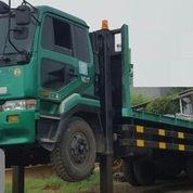 Self Loader Truck Nissan Tahun 2010 (Update 05 April 2019) (19524447) di Kota Jakarta Timur