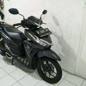 MOTOR BEKAS DKI JAKARTA Honda Vario 150 CBS LED REMOTE KM 8 Rb Th 2017