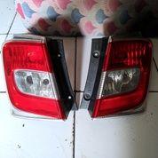 Stoplamp Honda Freed Mika Putih (19603523) di Kota Jakarta Utara