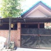 FS House Lebak Permai Utara (19757775) di Kota Surabaya