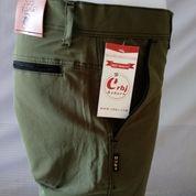 Celana Pendek Pria (19916683) di Bojong Gede