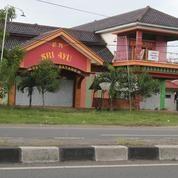 Rumah Makan Pinggir Jalan Cirebon-Indramayu