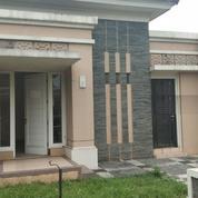 Rumah Suvarna Sutera Cluster Cempaka Deket Lapangan Golf (20334071) di Kab. Tangerang