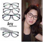 Kacamata Model Gaya
