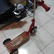 Otoped / Scooter : Radio Flyer Classic Retro Wooden Scooter (20375615) di Kota Jakarta Barat