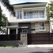 Rumah Baru Gress, Split Level 2,5 Lantai Tepat Raya Boulevard Bukit Palma (20473191) di Kota Surabaya