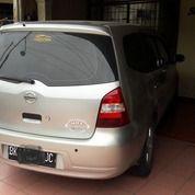 Nissan Grand Livina XV 1.8 MT