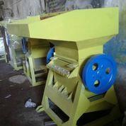 Mesin Giling Plastik / Emberan Type KMB 3 Kapsitas 300 Kg/Jam