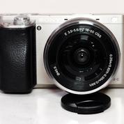 Sony A6000 Kit 16-50mm Silver Sc 26xxx Complite (21071839) di Kota Jakarta Pusat