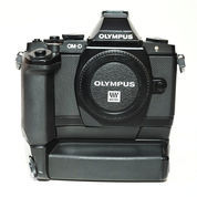 Olympus OM-D E-M5 Body Only Plus Vertical Grip Good Condition