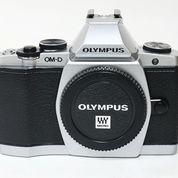 Olympus OMD E-M5 Body Only Silver Sc 5xxx (21072247) di Kota Jakarta Pusat