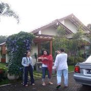 Villa Asri Dan Bersih Dengan Kolam Renang Pribadi Di Area Ciawi, Bogor Villa De Hoek