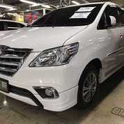 Kijang Inova Warna Putih Automatic Diesel Thn 2014