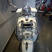 New Vespa Primavera S LED 150 I Get ABS (WHITE INNOCENZA)