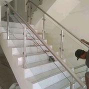 Raling Balkon Kaca