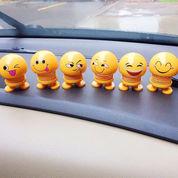 Boneka Perr Goyang Kepala Emoticon Emoji Toys Pajangan Mobil Unik (21307467) di Kota Surakarta