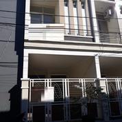 Rumah Baru 2 Lantai Modern Minimalis Bronggalan Surabaya