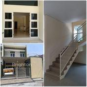 #A1779 Brand New Modern Minimalist House At Semolowaru Elok 2FLOOR SHM (21354523) di Kota Surabaya