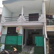 Rumah Terawat Lingkungan Nyaman 2 Lantai Ploso Timur