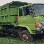 Dump Truck Hino Tahun 2002 (21419471) di Kota Jakarta Timur