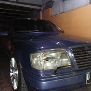 Mercedes Benz 300E At
