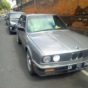 Sedan BMW 318i E30 Tahun 1990, Butuh Uang, Surat Lengkap Siap Pakai