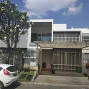 Rumah Mewah Bergaya Modern 3 Lantai Forest Mansions (21548551) di Kota Surabaya