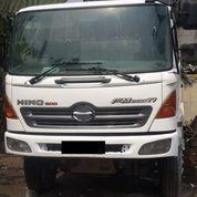 Truck Mixer Hino Model FM260TI Tahun 2012