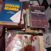 Buku Kampus Tentang Sejarah Dan Penelitian