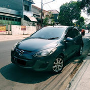 Mazda 2 Type S Matic Tahun 2010 Warna Abu2 Metalic
