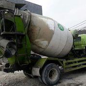 Truck Mixer Hino Tahun 2015 Kapasitas 3 M3
