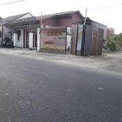 Tanah Selatan Tugu Yogyakarta