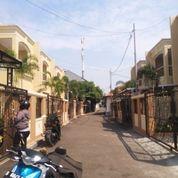 Rumah Siap Huny Fre Kitcenset/Ac Lokasi Deket Bonbin Ragunan (21730083) di Kota Jakarta Selatan