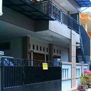Rumah Pribadi 3 Lantai (21793203) di Kota Jakarta Timur