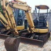 Excavator Komatsu Model PC30MR-1