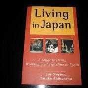 Buku Guidence English Living in Japan