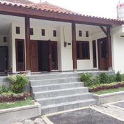 Rumah Lokasi Tenang Parkir Banyak Mobil Denpasar Barat (21860627) di Kota Denpasar
