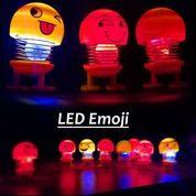 Pajangan Dashboard LED Boneka Per Goyang Emoji Lucu Ada :Lampu (21890167) di Kota Surakarta