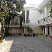 Rumah Mewah Dan Nyaman Di Kemang Jakarta Selatan (Kolam Renang) (21931967) di Kota Jakarta Selatan