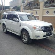 Ford Everest Putih 2013